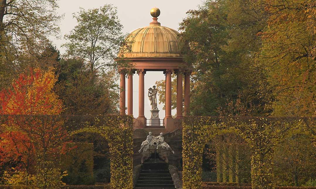 Schlossgarten Schwetzingen, Apollotempel; Foto: Staatliche Schlösser und Gärten Baden-Württemberg, Ursula Wetzel