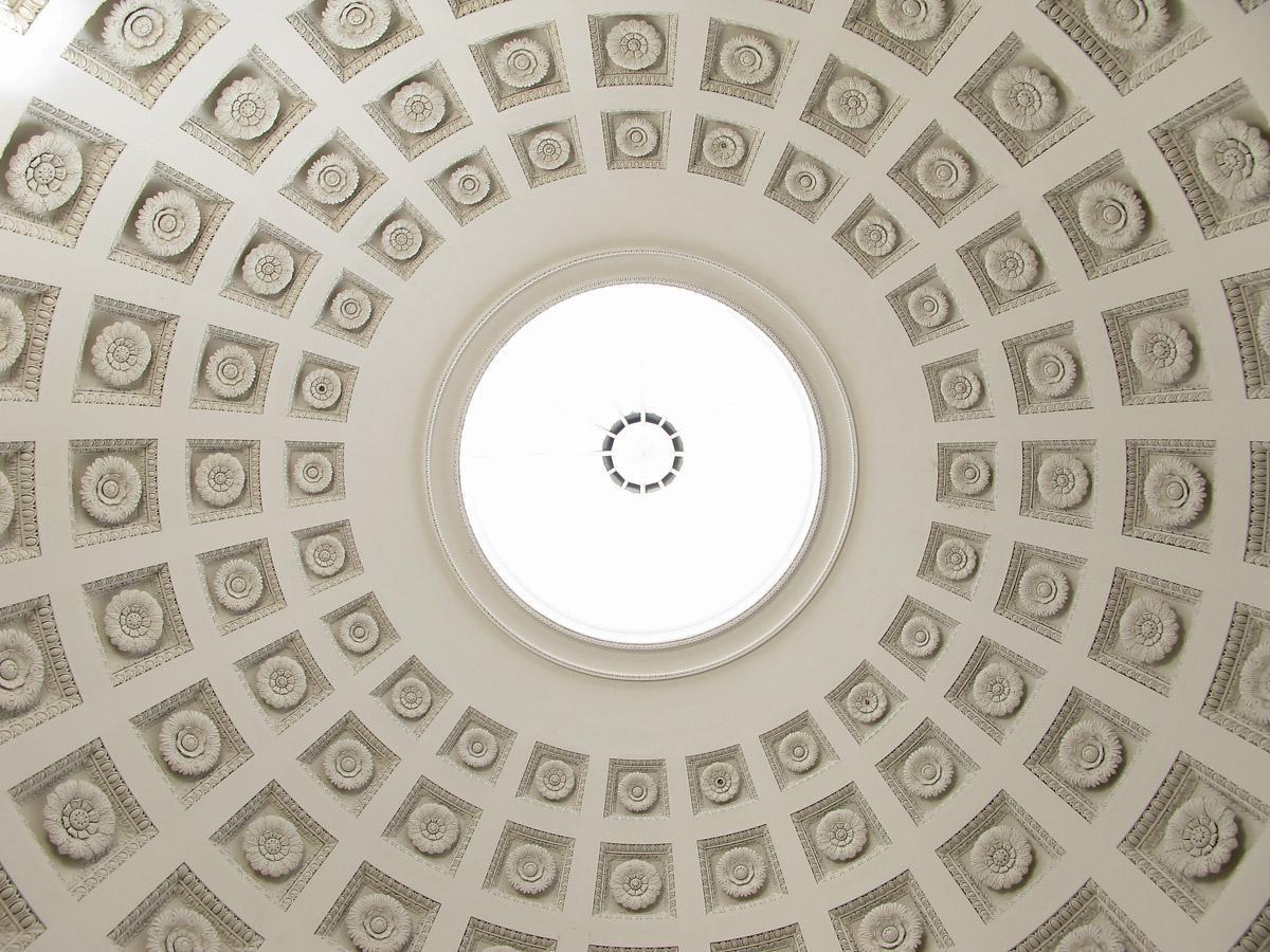 Blick in die Kuppel der Grabkapelle auf dem Württemberg in Stuttgart
