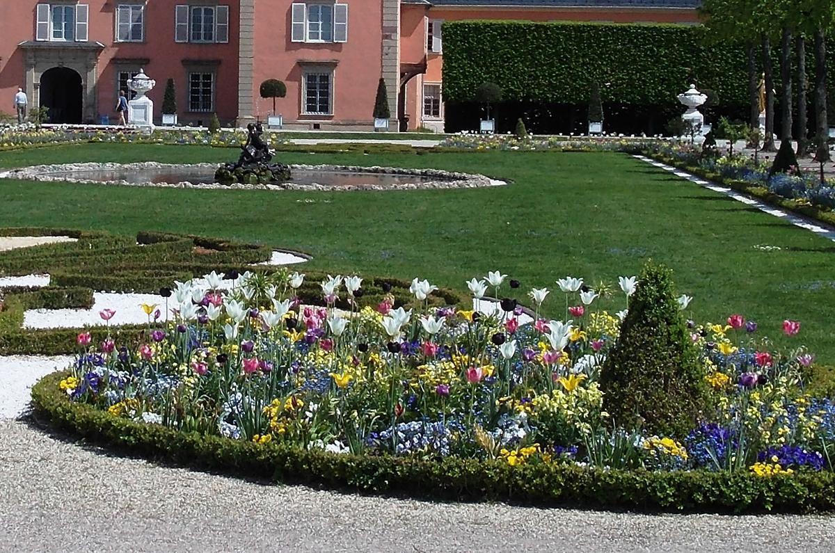 Frühjahrsflor im Schlossgarten; Foto: Staatliche Schlösser und Gärten Baden-Württemberg, Sandra Moritz