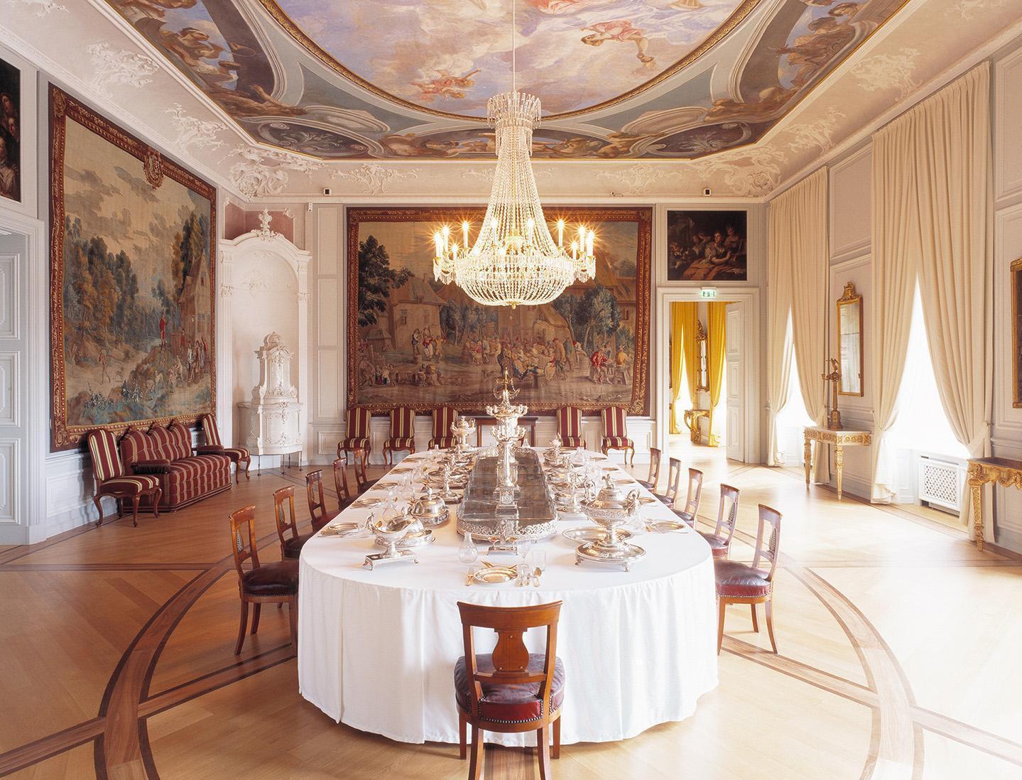 Barockschloss Mannheim, Vorzimmer mit Prunksilber; Foto: Staatliche Schlösser und Gärten Baden-Württemberg, Dirk  Altenkirch
