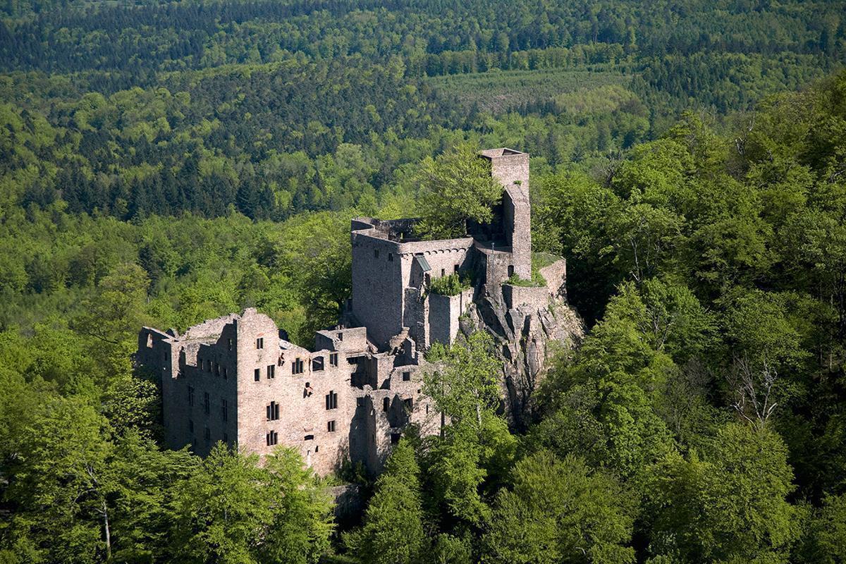 Luftansicht vom Alten Schloss Hohenbaden; Foto: Staatliche Schlösser und Gärten Baden-Württemberg, Achim Mende