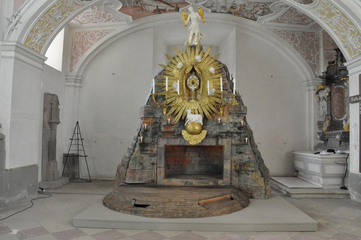 Das Heilige Grab am Gründonnerstag im Kloster Schöntal; Foto: Staatliche Schlösser und Gärten Baden-Württemberg, Felix Muhle