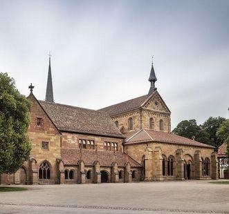 Das Kloster Maulbronn mit Blick auf das Paradies; Foto: Staatliche Schlösser und Gärten Baden-Württemberg, Günther Bayerl