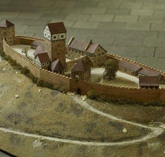 Modell der ehemaligen Burg Hohenstaufen im Dokumentationsraum für staufische Geschichte am Fuß des Hohenstaufen; Foto: Landesmedienzentrum Baden-Württemberg; Arnim Weischer