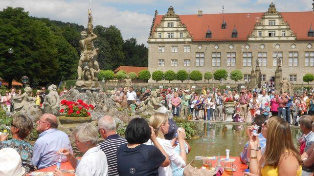 Schloss und Schlossgarten Weikersheim, Besucher; Foto: Staatliche Schlösser und Gärten Baden-Württemberg, Urheber unbekannt