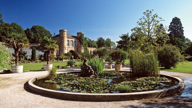 Botanischer Garten Karlsruhe, Außenaufnahme mit Brunnen