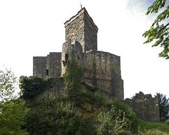 Östliche Ansicht vom Bergfried der Burg Rötteln; Foto: Staatliche Schlösser und Gärten Baden-Württemberg, Arnim Weischer