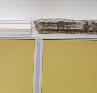 Discovered during restoration work at Mannheim Palace in 2006: the original cornice in the yellow drawing room. Image: Staatliche Schlösser und Gärten Baden-Württemberg, Andrea Rachele
