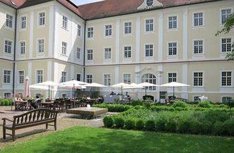 Blick auf das Restaurant im Kloster Schussenried