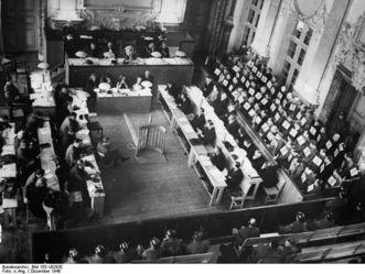 Kriegsverbrecherprozess in Rastatt, Eröffnung der Verhandlungen