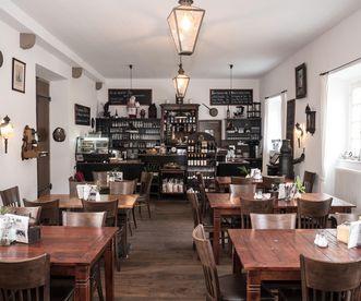 Im Café Schlosswache, Residenzschloss Ludwigsburg; Foto: Marco Bissoli
