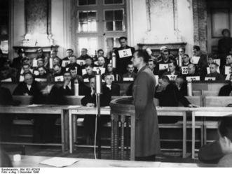 Kriegsverbrecherprozess in Rastatt, Zeuge im Gerichtssaal