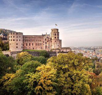 Schloss Heidelberg mit Blick ins Neckartal; Foto: Staatliche Schlösser und Gärten Baden-Württemberg, Günther Bayerl