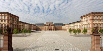 Barockschloss Mannheim von außen
