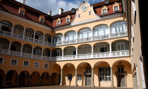 Arkadenhof von Schloss ob Ellwangen