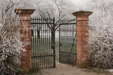 Eingang Kirschgarten in Schwetzingen; Foto: Staatliche Schlösser und Gärten Baden-Württemberg, Ursula Wetzel