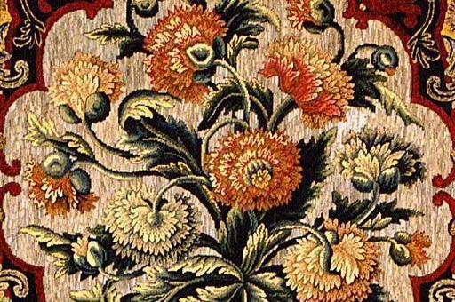 Wandbespannung mit Stickerei in Schloss Favorite, Ausschnitt