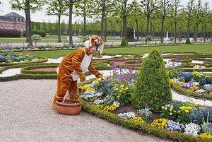 Osterhoppeln im Schlossgarten Schwetzingen