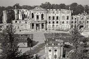 Schloss Bruchsal, Zerstörtes Schloss; Foto: Staatliche Schlösser und Gärten Baden-Württemberg, Fritz Häcker