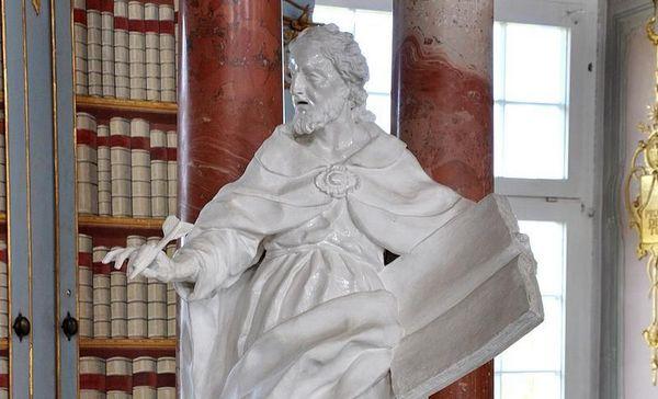 Kloster Schussenried, Statue Glaubensverfechter im Bibliothekssaal