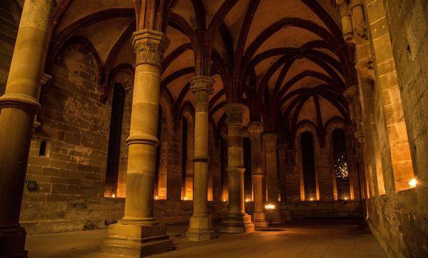 Kloster Maulbronn, Kerzenschein; Foto: Staatliche Schlösser und Gärten Baden-Württemberg, KV Maulbronn
