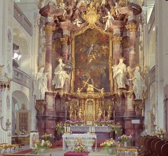 The high altar in the choir room of Schöntal's monastery church. Image: Foto Besserer