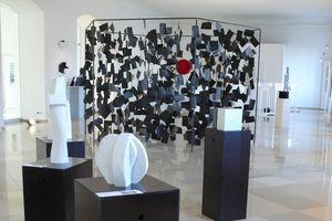 Ausstellung Schwarz-Weiss; Foto: Staatliche Schlösser und Gärten Baden-Württemberg, Joachim Moll