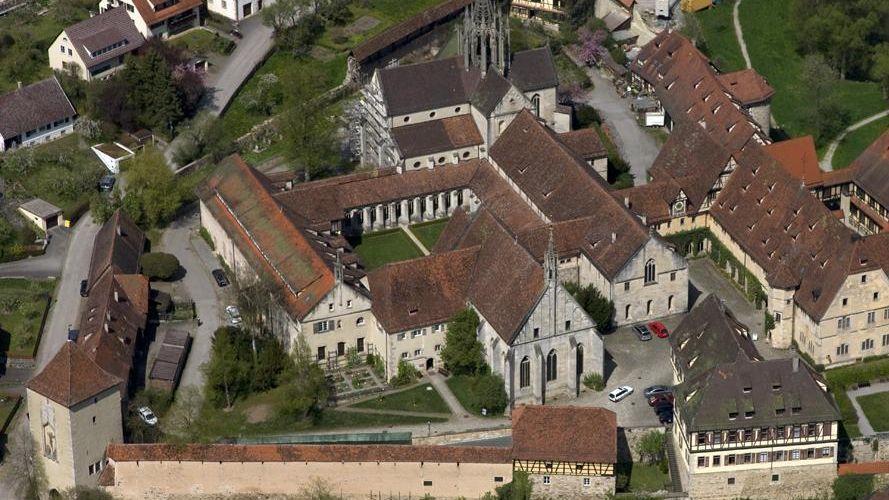 Kloster und Schloss Bebenhaus, Luftansicht; Foto: Staatliche Schlösser und Gärten Baden-Württemberg, Achim Mende