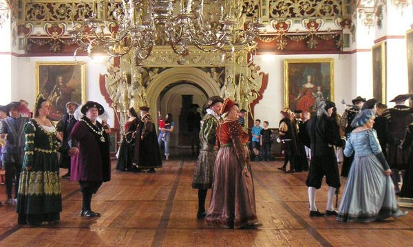 Blick in den Rittersaal von Weikersheim, Ort rauschender Feste
