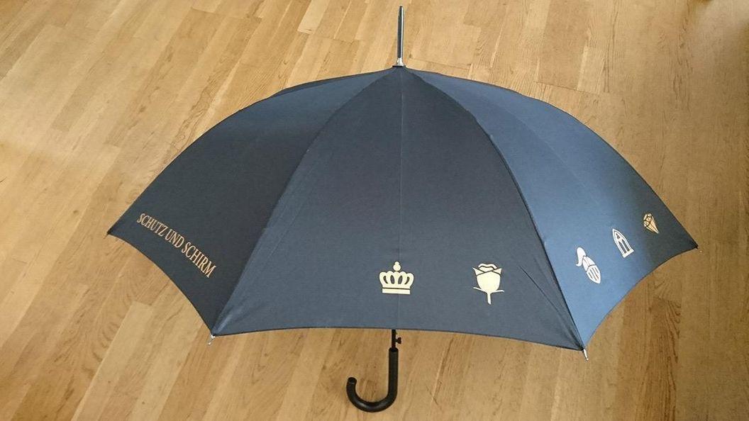 Regenschirm der Staatlichen Schlösser und Gärten Baden-Württemberg, Foto: Staatliche Schlösser und Gärten Baden-Württemberg, Nathalie Leier