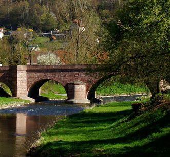 Brücke über die Nagold in Hirsau beim Kloster Hirsau; Foto: Stadtinfo Calw