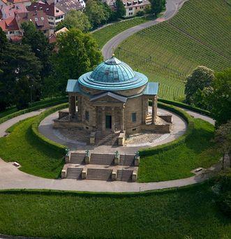 Grabkapelle auf dem Württemberg;  Foto: Staatliche Schlösser und Gärten Baden-Württemberg, Achim Mende