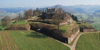 Hochburg bei Emmendingen, die Hochburg steht auf einem Berg
